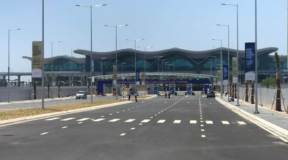 Image of the outside of the Cam Ranh International Airport in Vietnam
