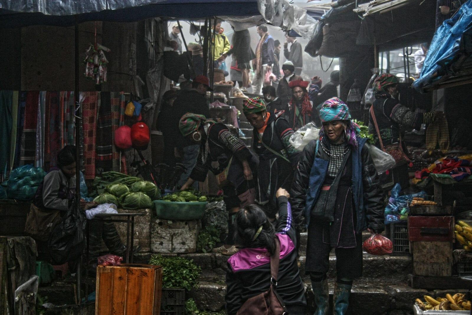 Image of a street market in Sapa, Vietnam