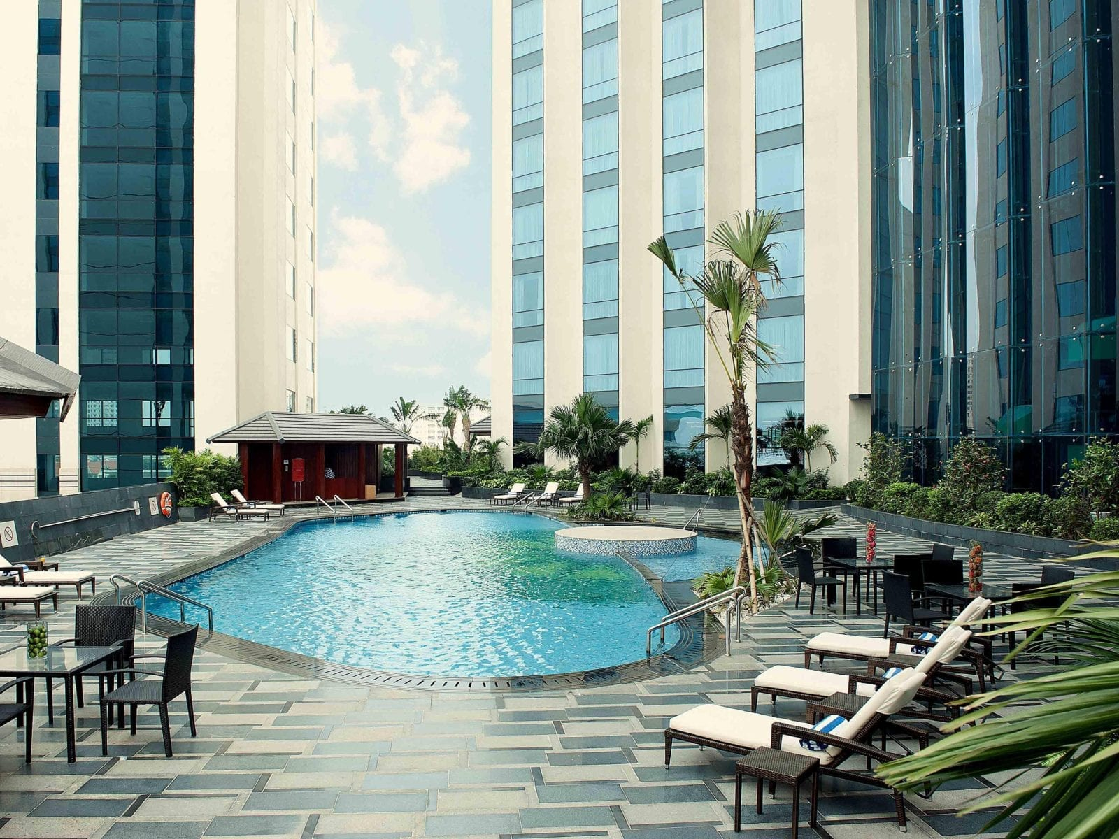 Crowne Plaza West Hanoi Pool