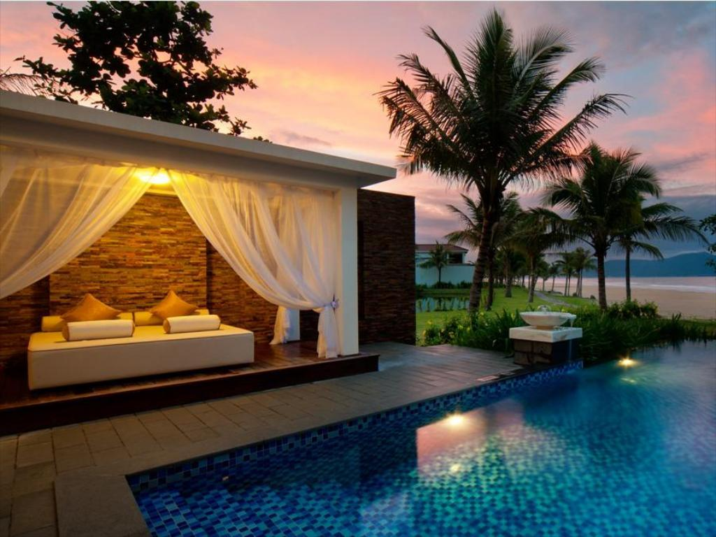 Vinpearl Luxury Da Nang Villas Room