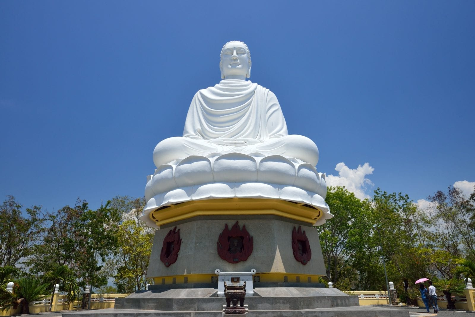 Great buddha - Long Son pagoda