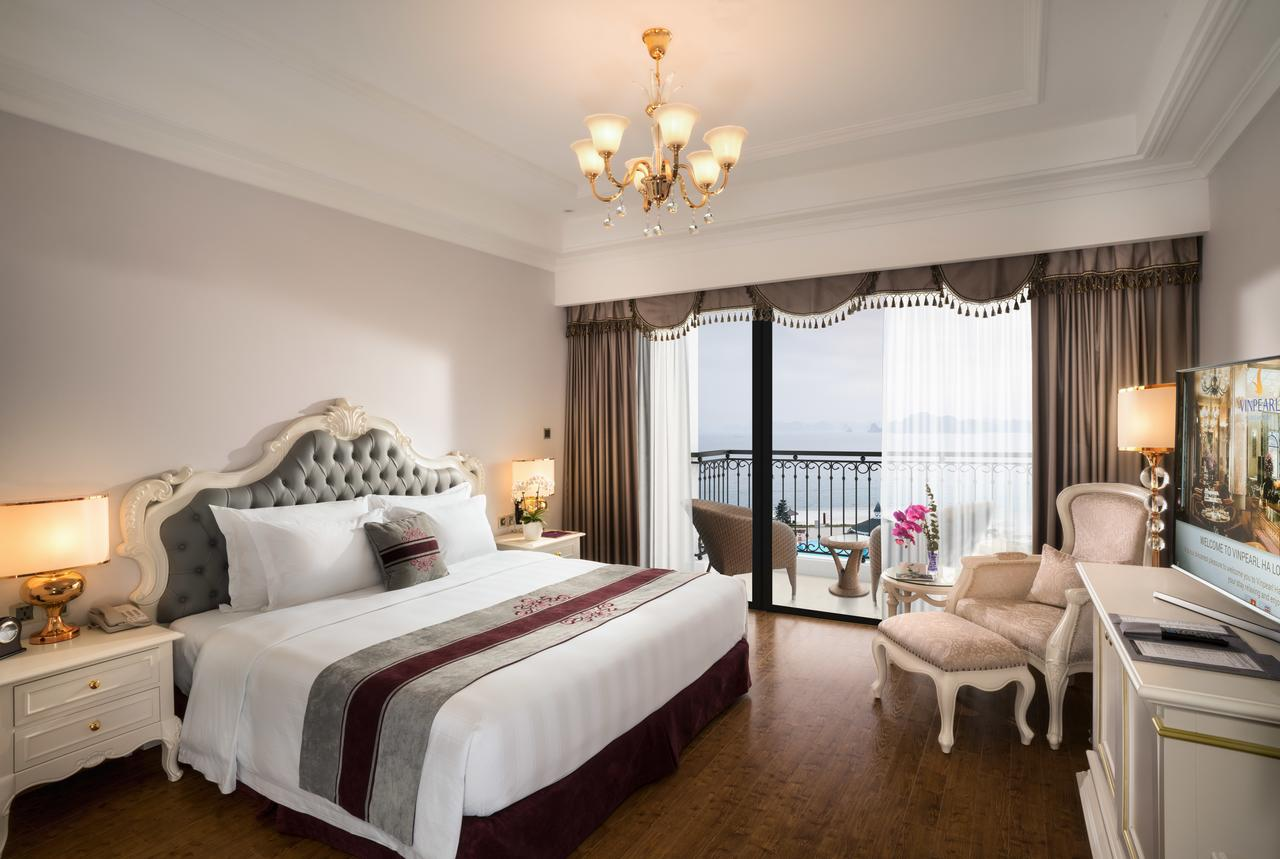 Room at Vinpearl Resort & Spa Ha Long
