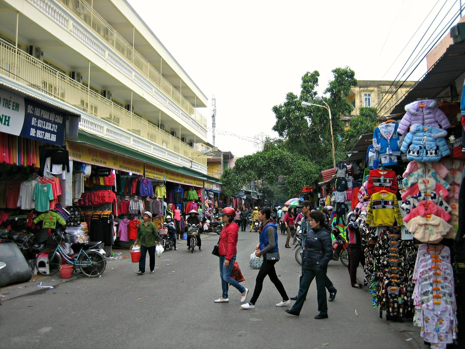 Image of the Hai Phong street scene in Vietnam