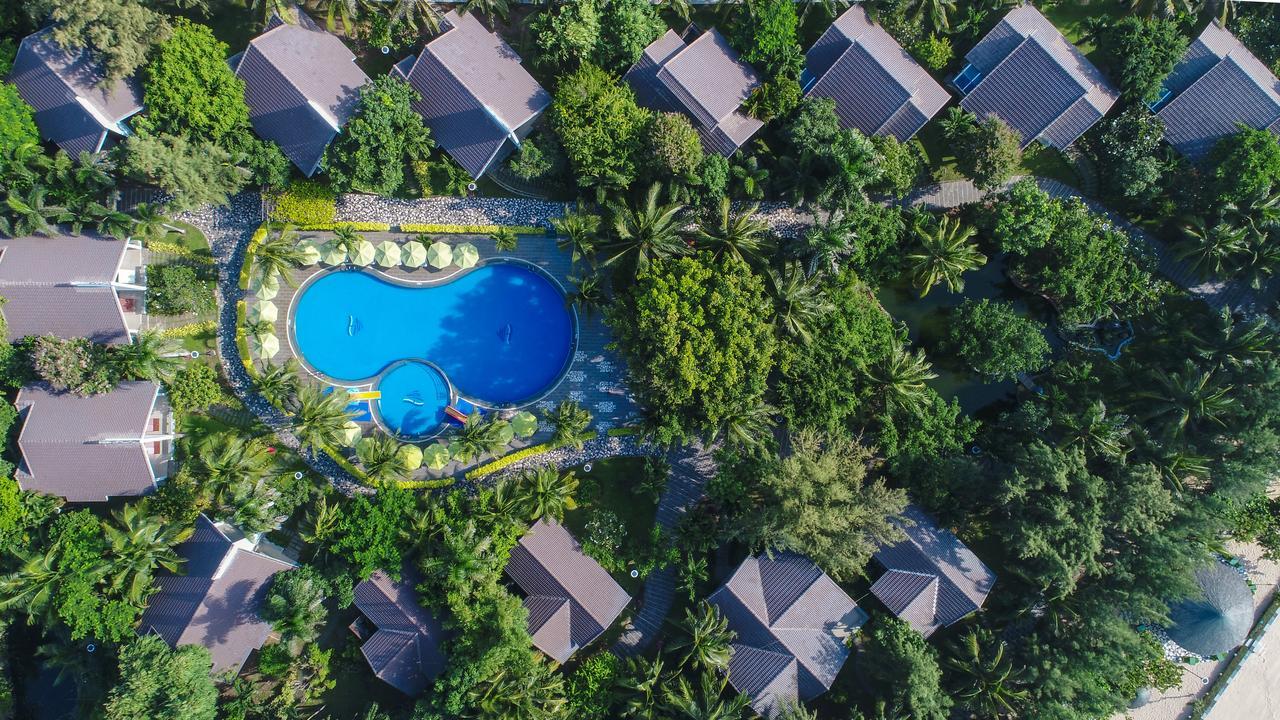 Carmelina Beach Resort