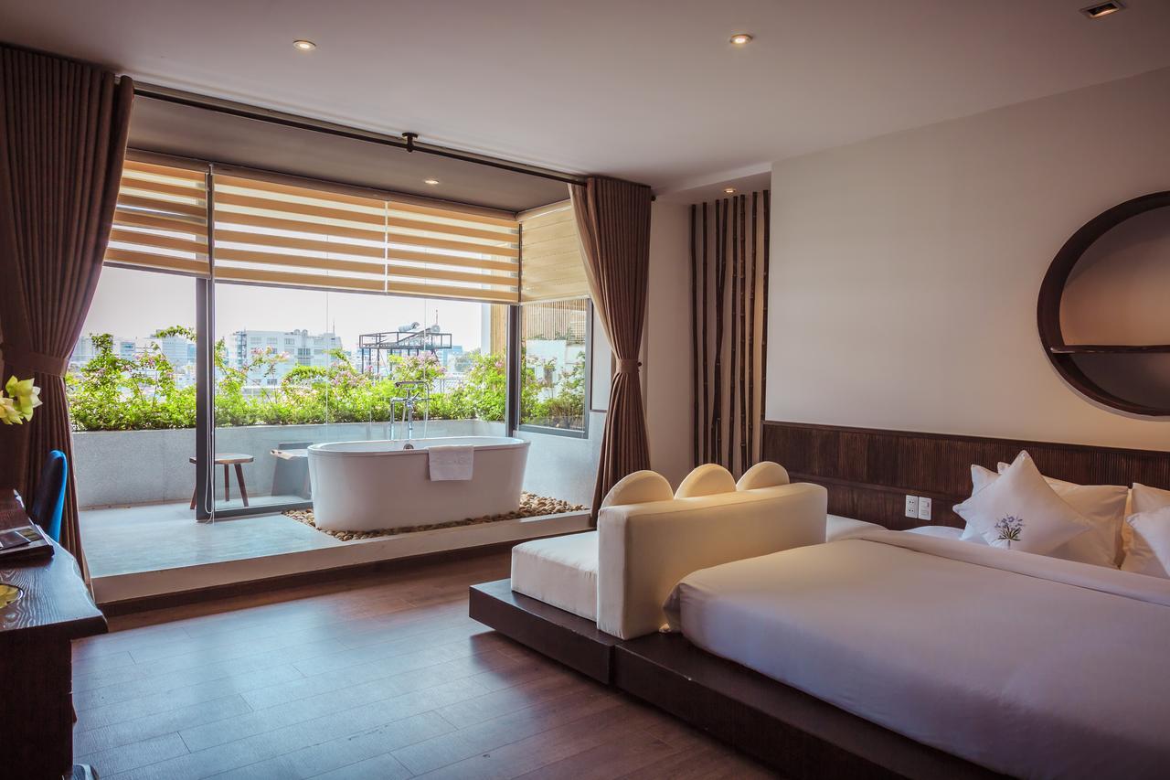 Cochin Zen Hotel
