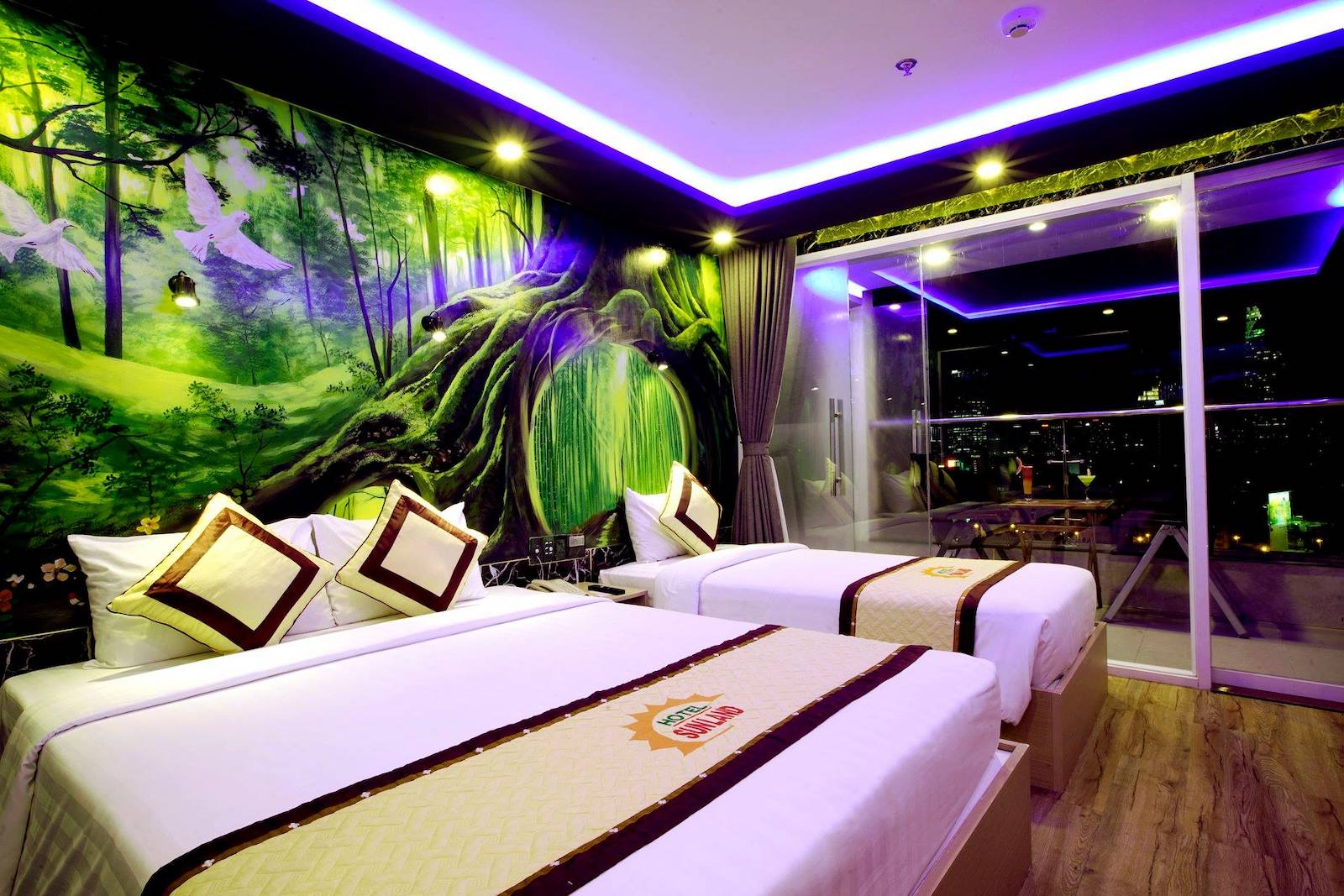 Image of a room in the Sunland Hotel in Ho Chi Minh City, Vietnam