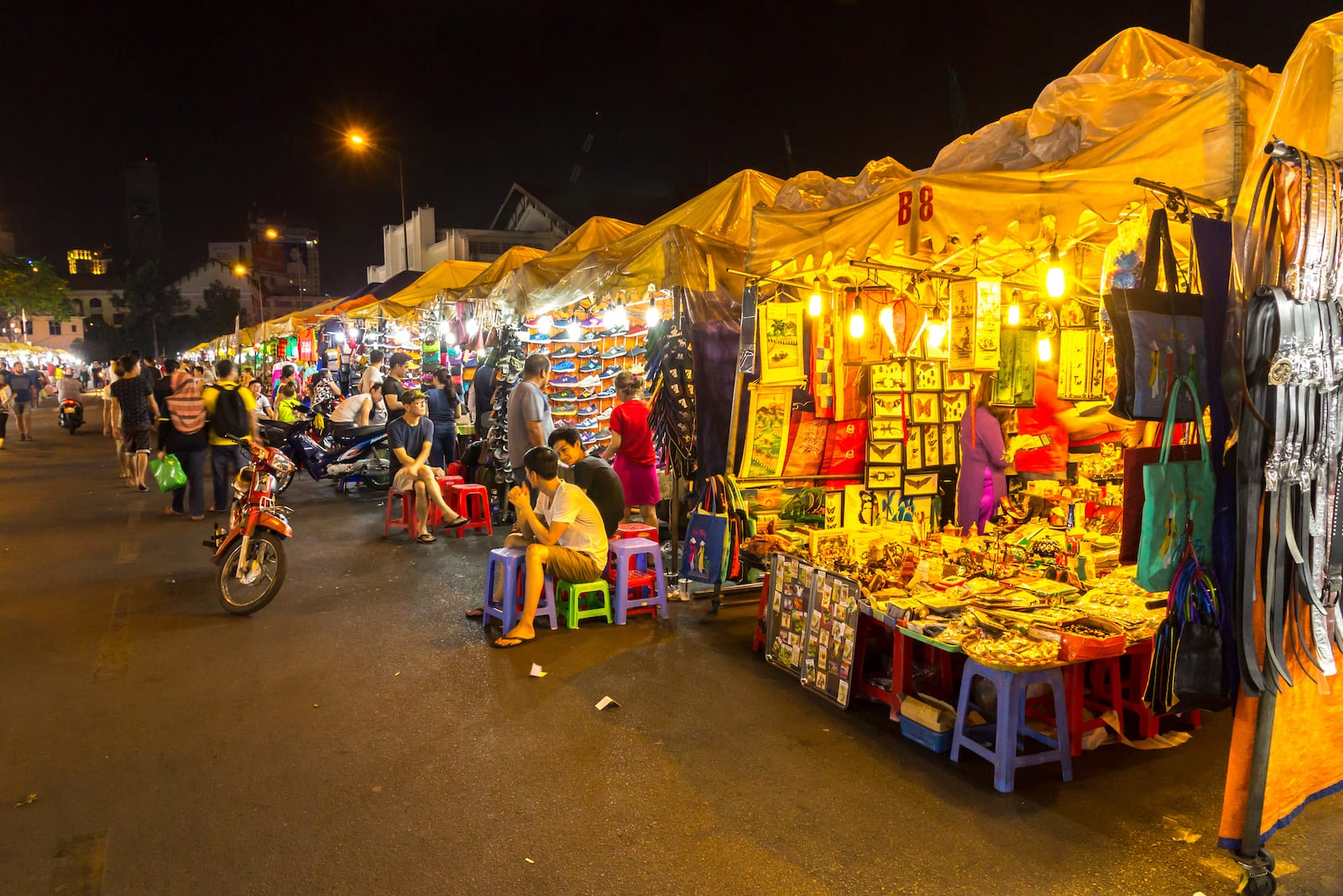 Image of a Night Market near by Ben Thanh Market in Ho Chi Minh City