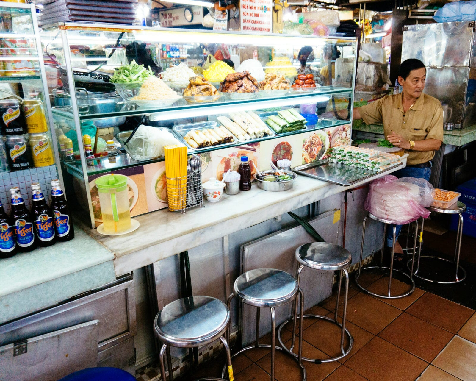 Image of the Ben Thanh Market at lunch in Ho Chi Minh City, Vietnam