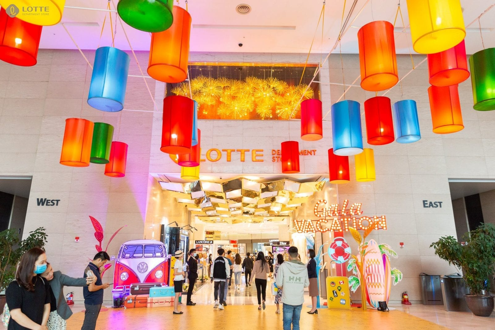 Image of the Lotte department store in Hanoi, Vietnam