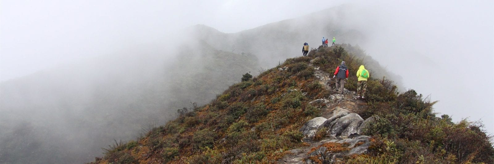 Image of hikers on Bach Moc Luong Tu in Vietnam