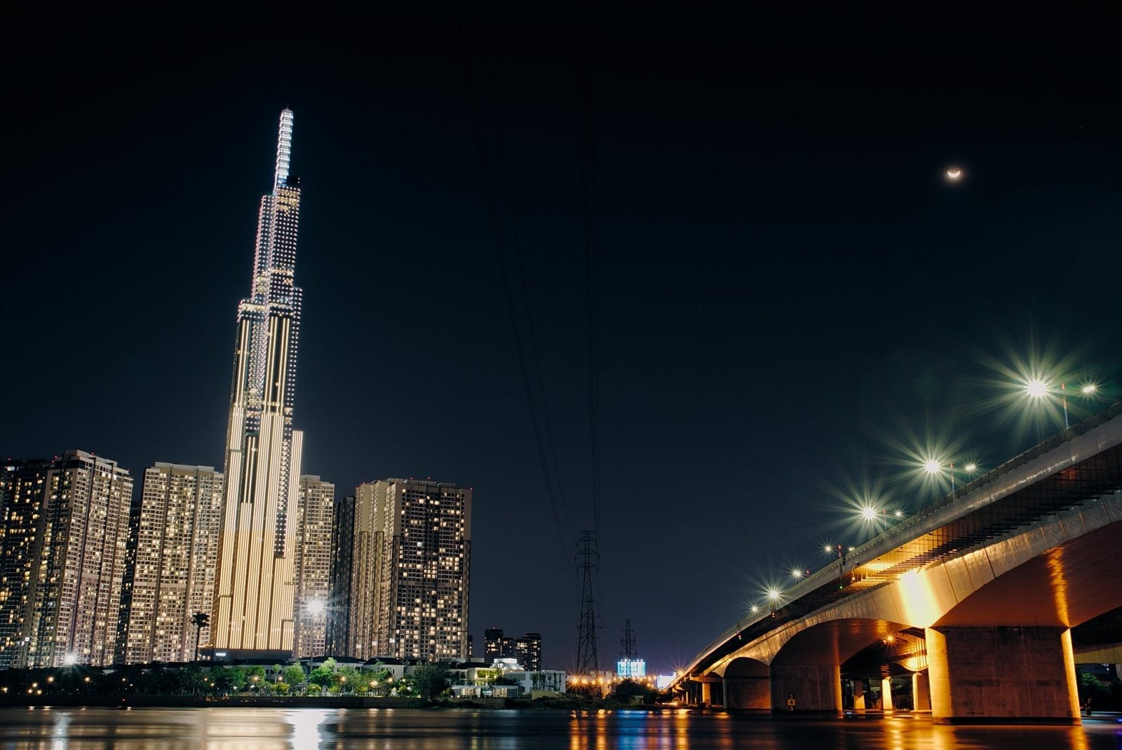Image of Landmark 81 illuminated at night