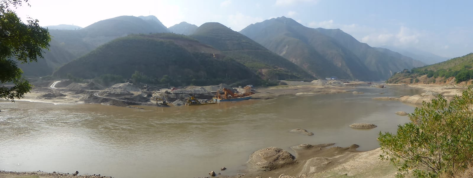 Image of the Red River in Vietnam