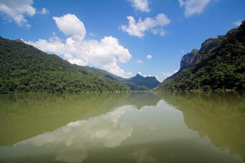 Image of Ba Bê Lake in Northeast Vietnam