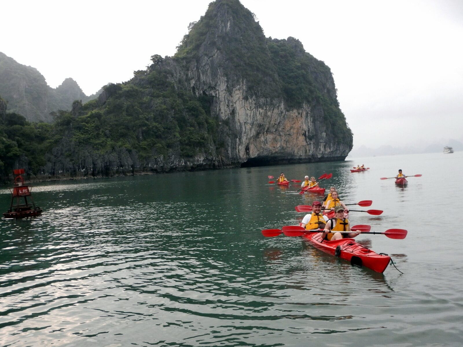 Image of Kayakers at Bai Tu Long Bay in Vietnam