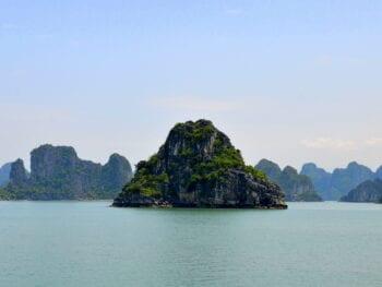 Image of Bai Tu Long Bay in Vietnam