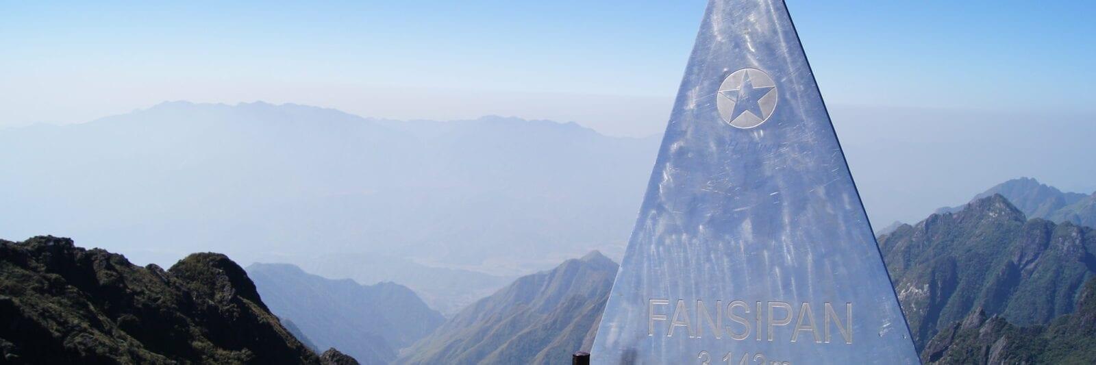 Image of the metal statue denoting Fansipan Mountain in Vietnam