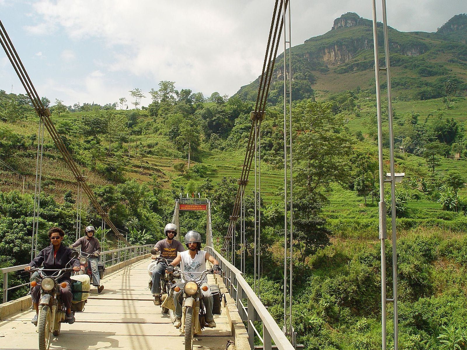 Crossing the Chay river, Ha Giang