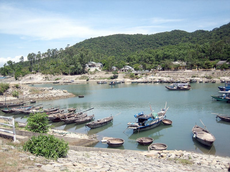 Image of the boat docks on the cham islands in vietnam