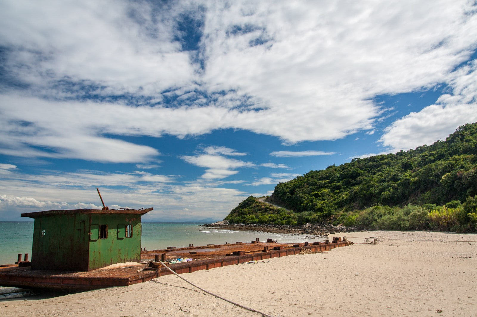 Image of the beach on one of the cham islands in vietnam