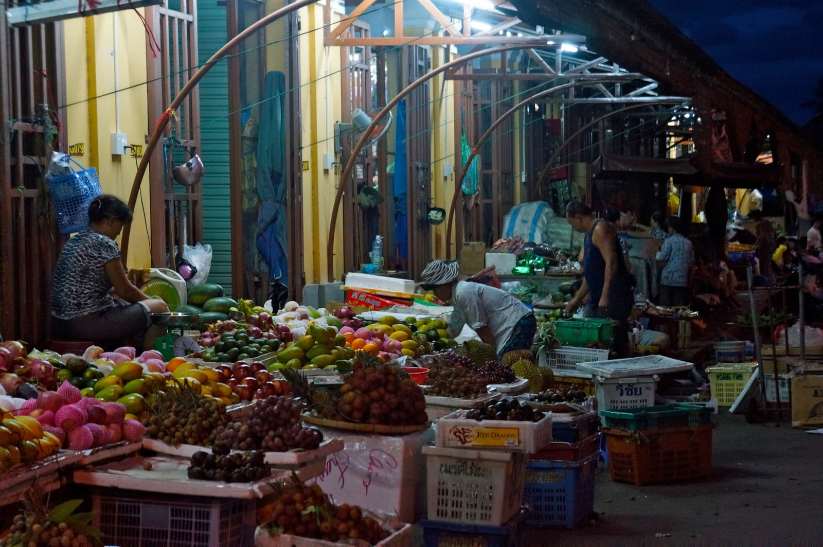 Image of vendors at the Hoi An Night Market in Vietnam