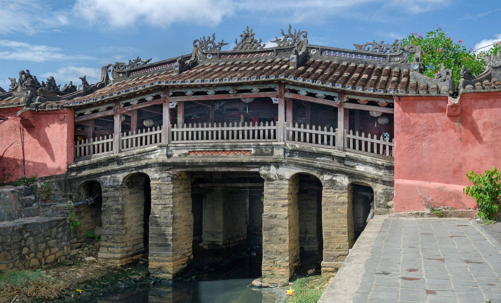 Image of the Japanese Covered Bridge in Hoi An, Vietnam