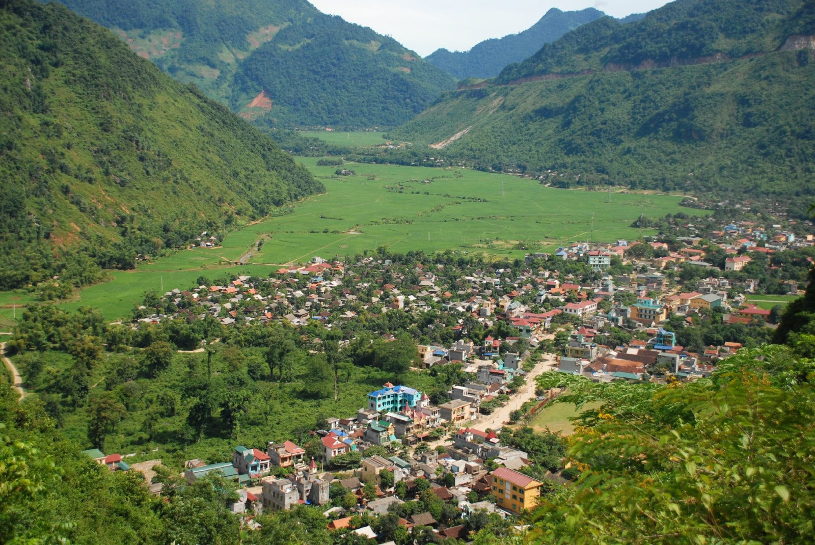 Image of the Mai Chau Valley in Vietnam