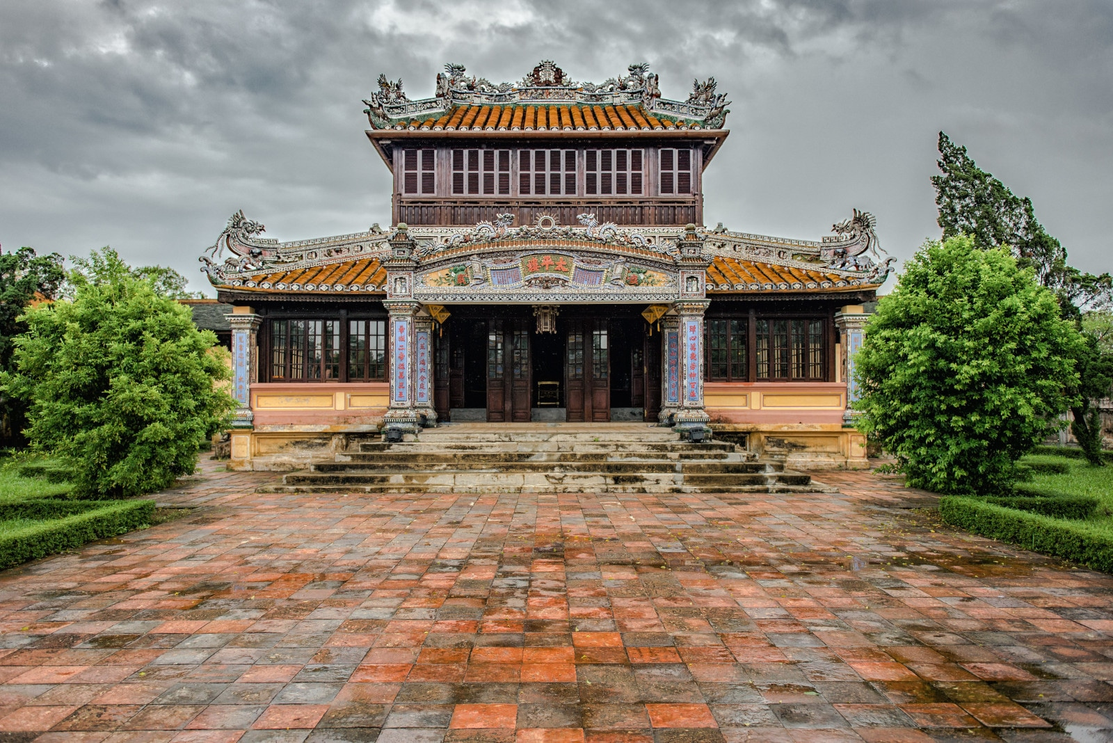 Image of the Thai Binh Pavilion in the Imperial City of Hue, Vietnam