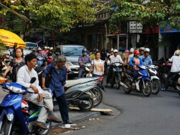 Image of traffic in Hanoi, Vietnam