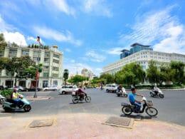 Image of people riding motorbikes in Saigon, Vietnam