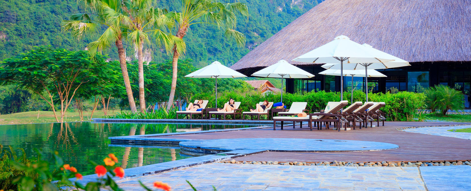 Image of the outdoor pool at the Serena Resort Kim Boi in Vietnam