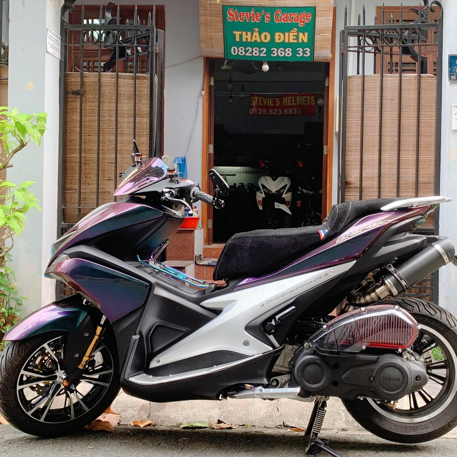 Image of the storefront of Stevie's Garage in Vietnam