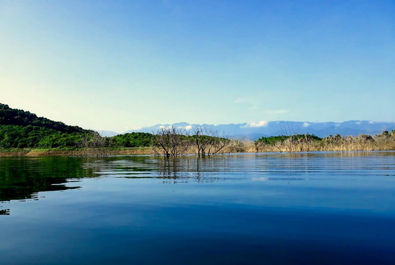 Image of a lake and mountains in Vu Quang National Park in Vietnam