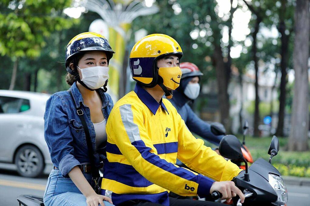 Image of a woman on a Be ride share in Vietnam
