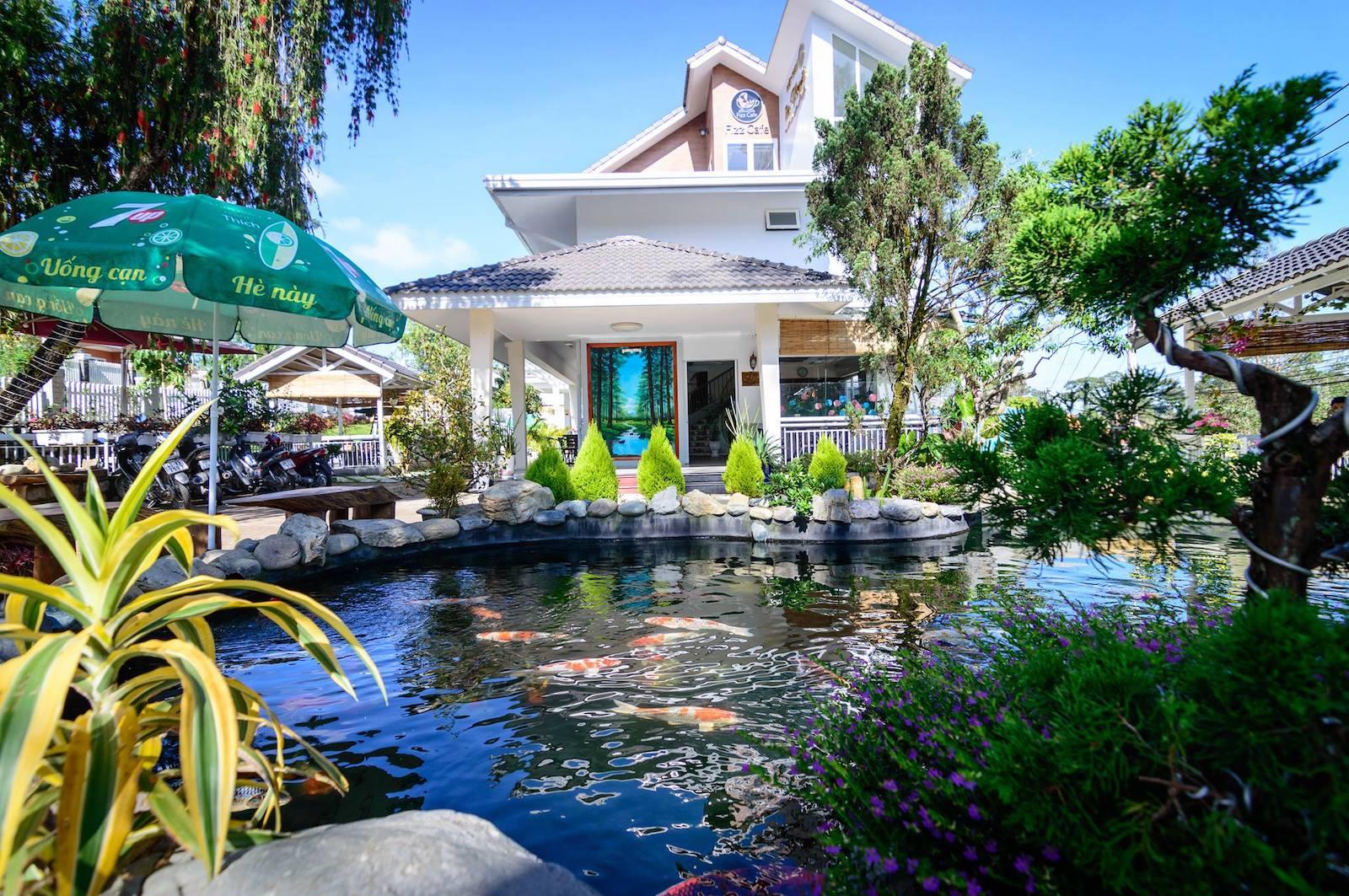 Image of the Robins Villa Koi Pond in Da Lat