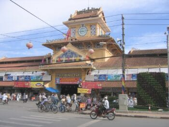 Image of the Cho Binh Tay Market in Saigon, Vietnam
