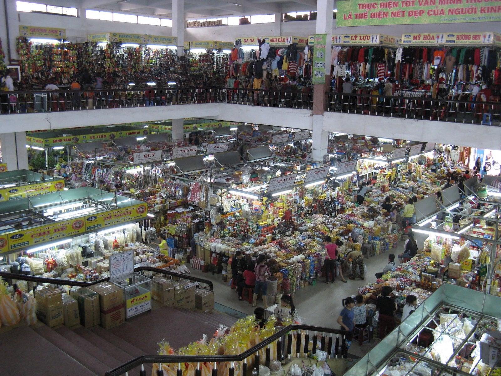 Image of the interior of Han Market in Da Nang, Vietnam