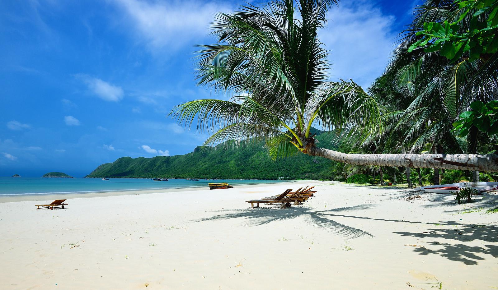 Beach in Côn Dao Vietnam