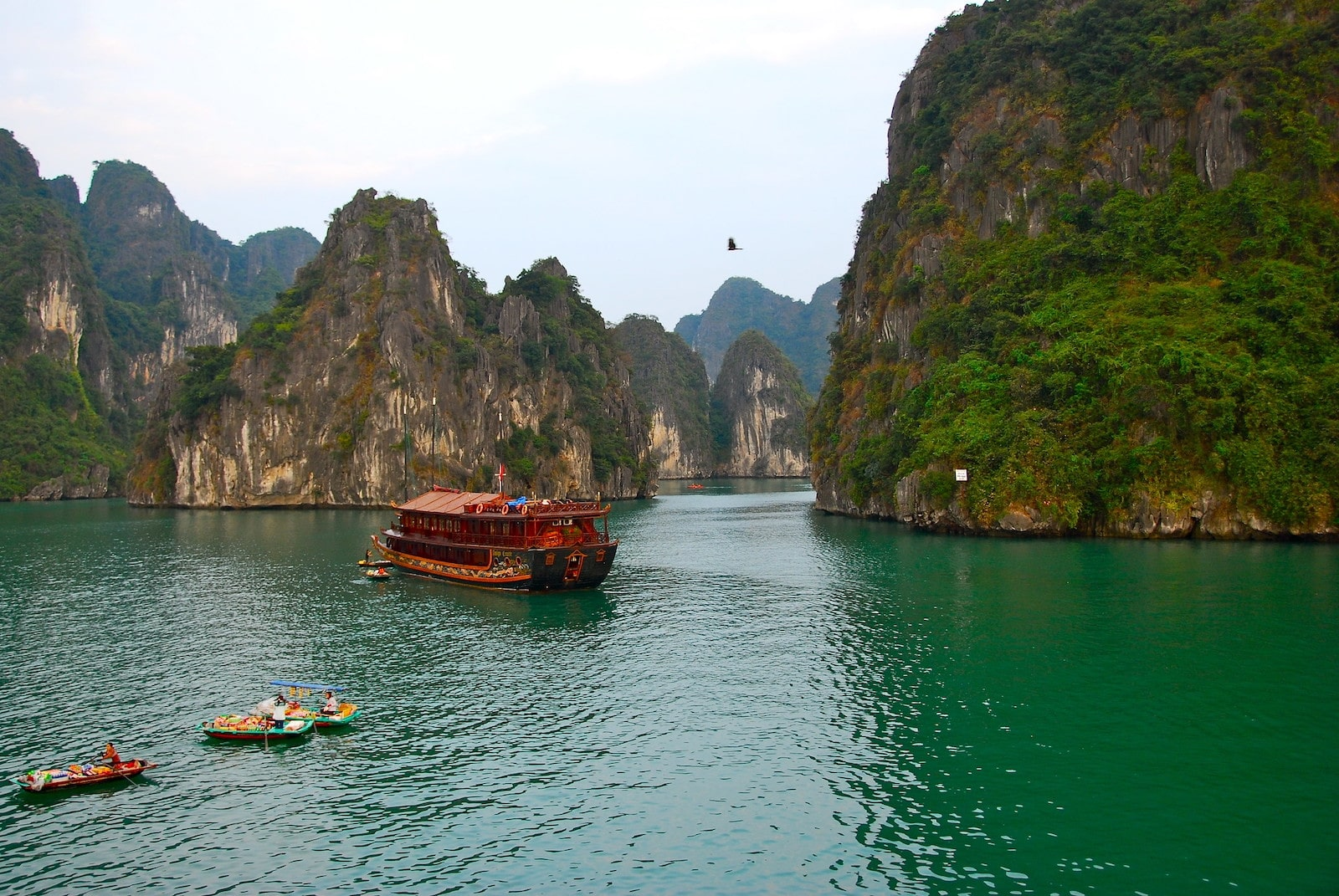 Image of boats in Ha Long Bay in Vietnam