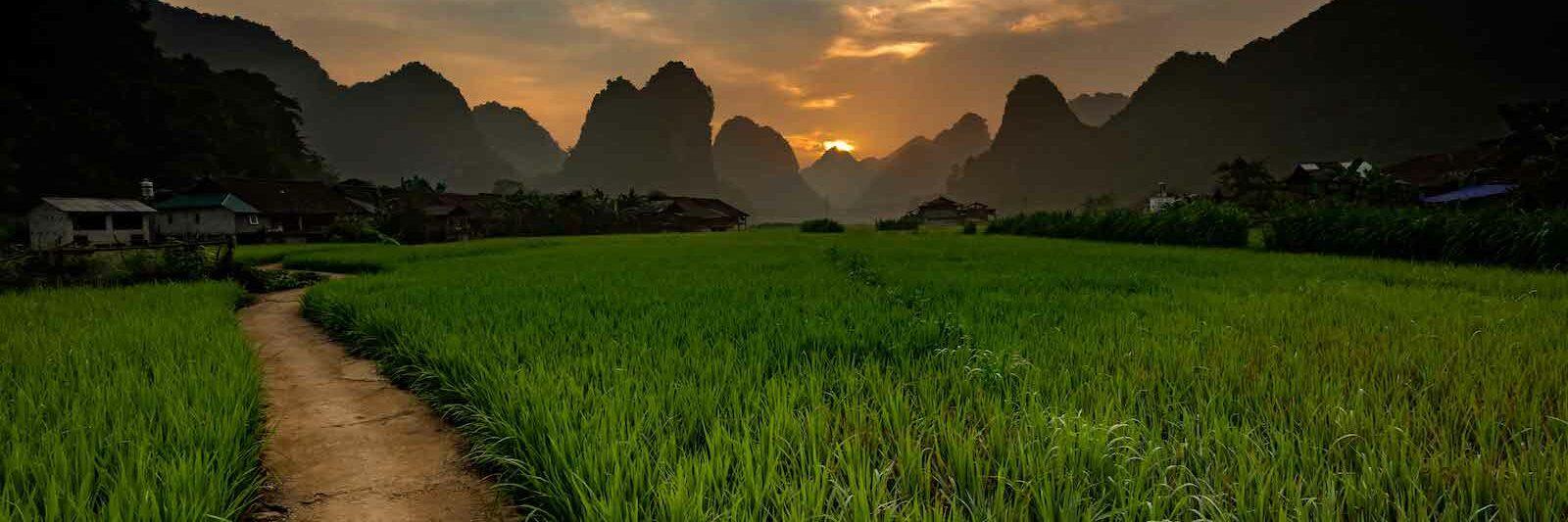 Ba Be Vietnam Nature Trail Mountains Sunrise
