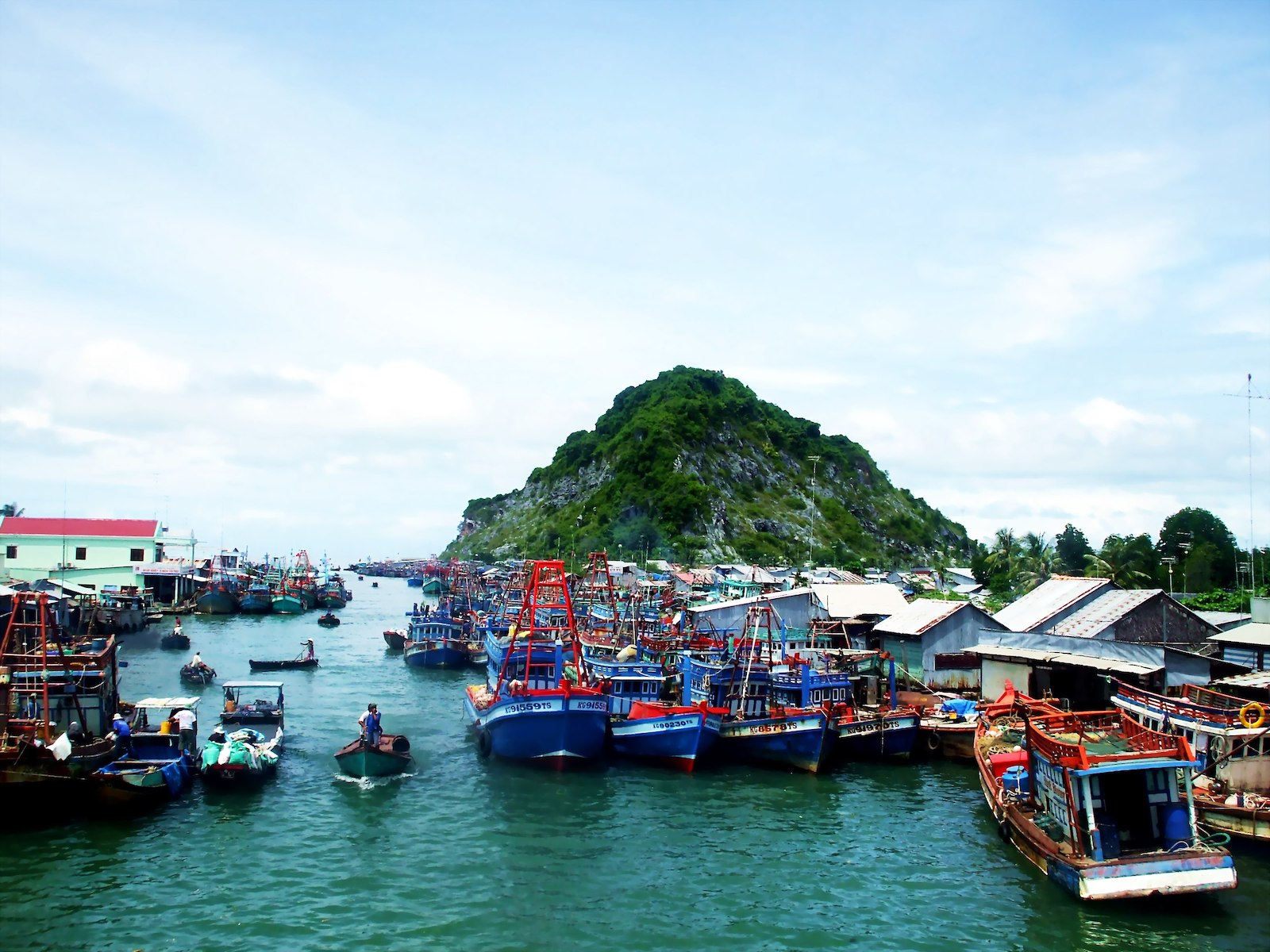 Image of boats in Kien Giang Province in Vietnam