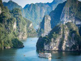 Cruise boat in Halong Bay, Vietnam