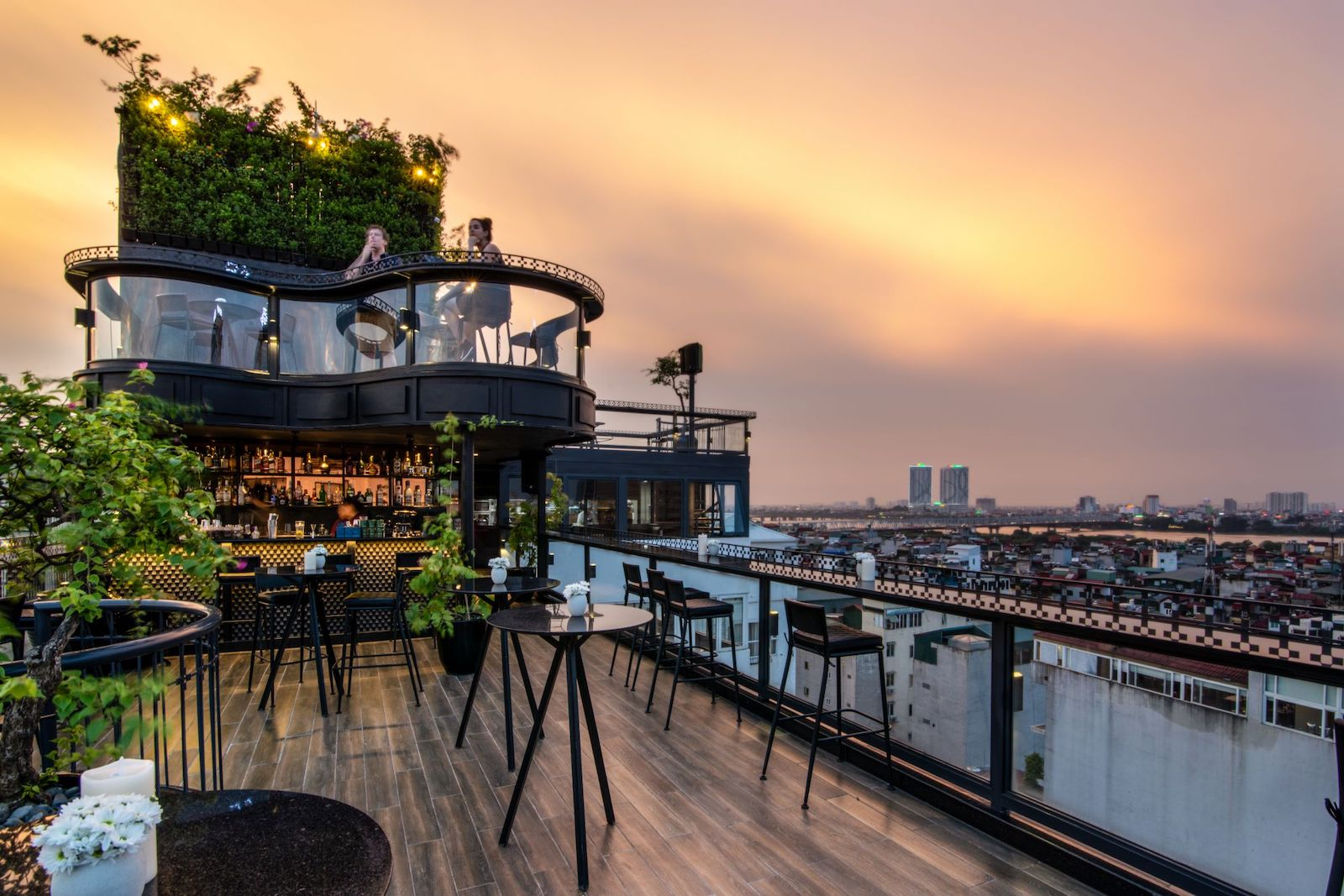 Diamond Sky Bar, Hanoi