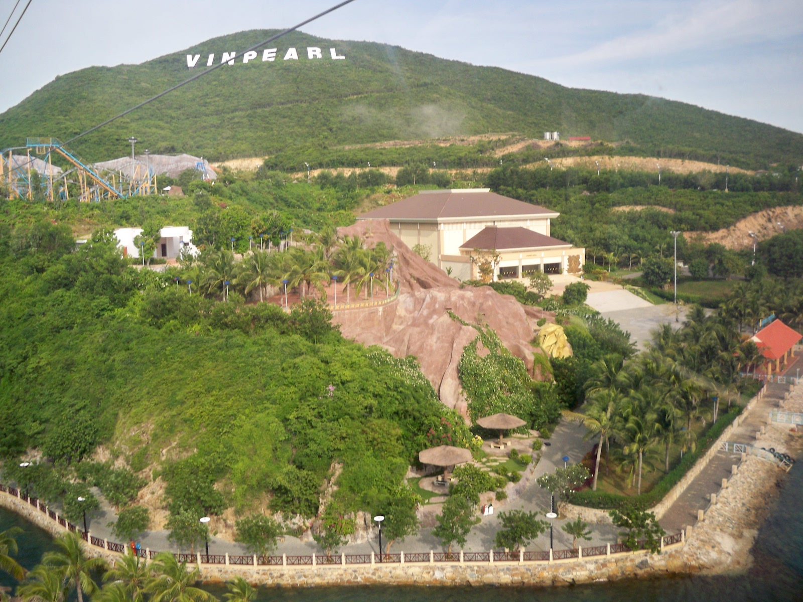 Hon Tre Island seen from the cable car